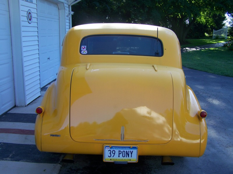 1939 Pontiac 4 door sedan