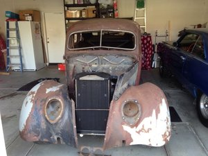 1937 Ford 4 Door Hump Back