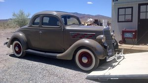 1935 Ford 5 window deluxe coupe