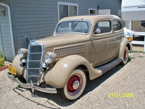 1935 Ford 48 2dr slant back sedan