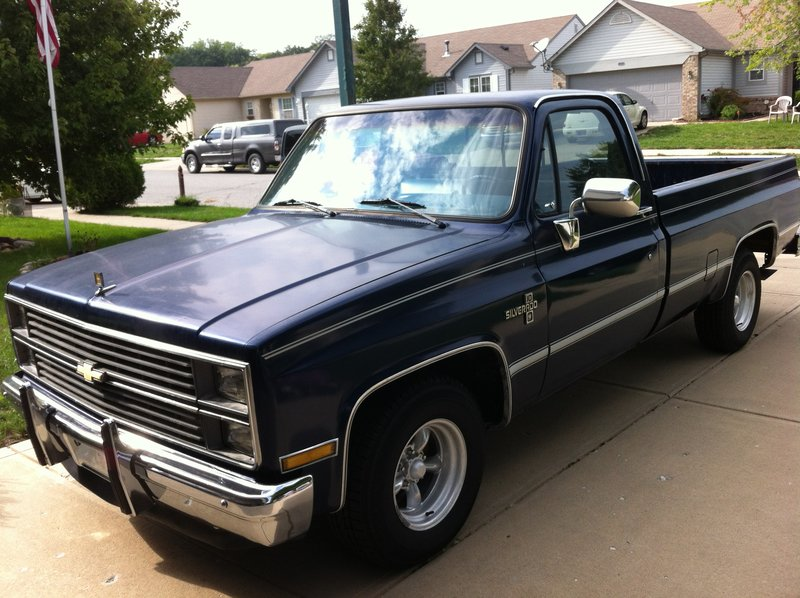 1984 chevrolet c10 for sale in indianapolis indiana old car online. Black Bedroom Furniture Sets. Home Design Ideas