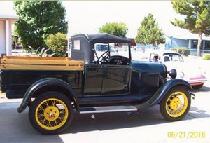1929 Ford Roadster Deluxe Coupe