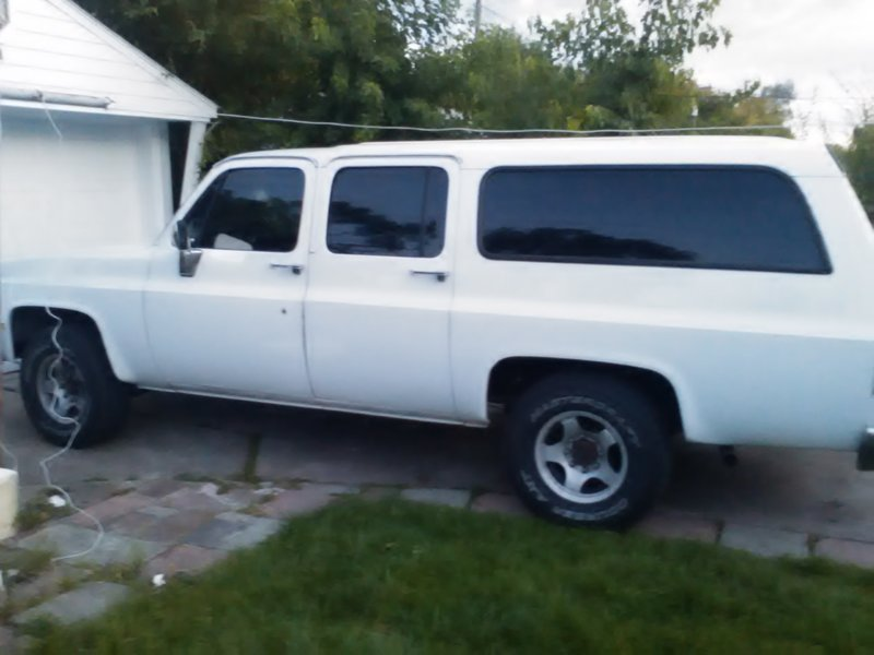 1987 chevrolet suburban for sale in dearborn heights michigan old car online. Black Bedroom Furniture Sets. Home Design Ideas