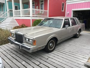1989 Lincoln Town Car Signature