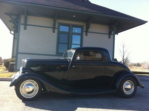 1934 Ford 3 window coupe model 40