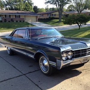 1965 Oldsmobile Ninety-Eight 2dr Hardtop