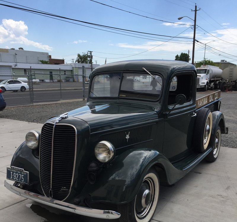 1937 Ford T100