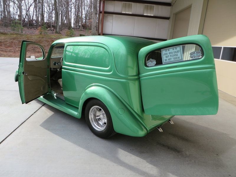 1935 Ford Sedan Delivery