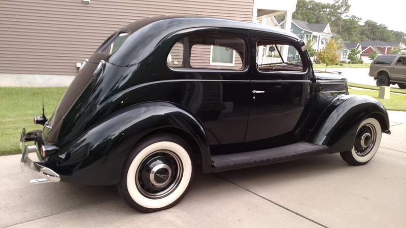 1937 Ford Flat Back 2 Door Sedan