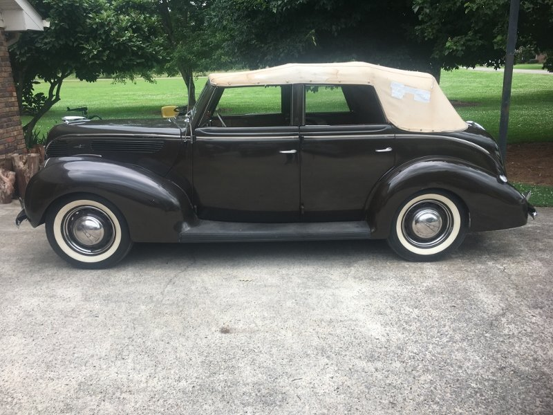 1938 Ford Deluxe 81A