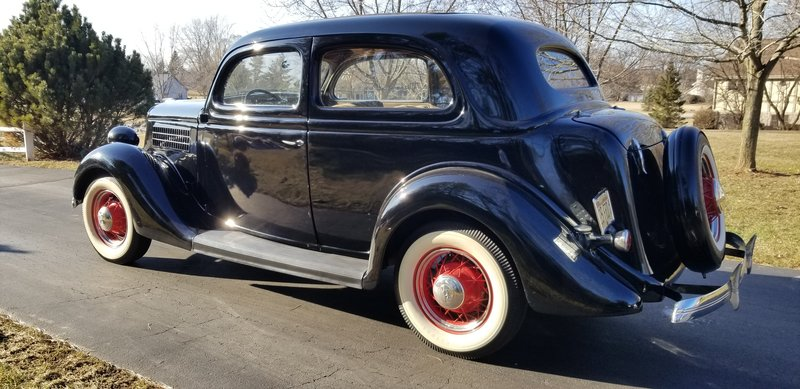 1935 Ford 48