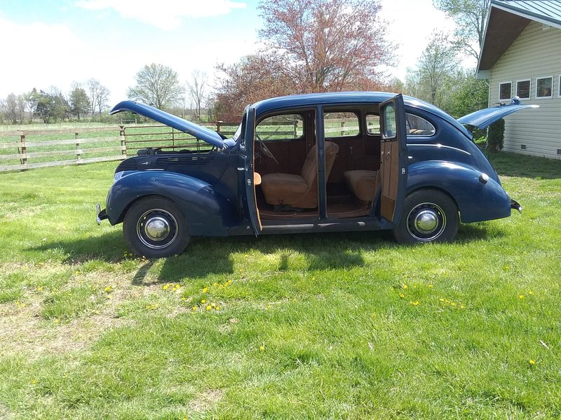 1938 Ford 81A