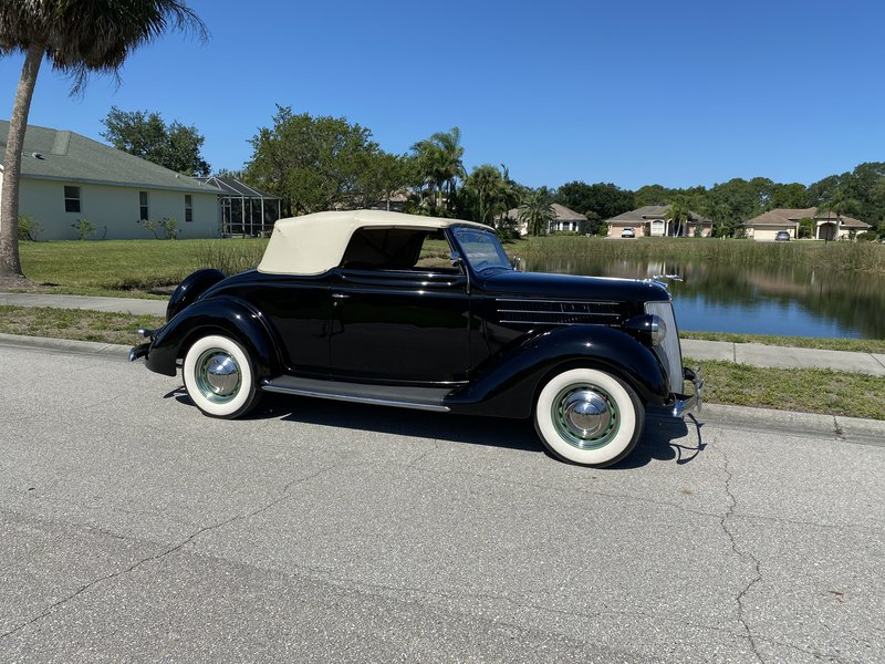 1936 Ford Club Cabriolet Deluxe
